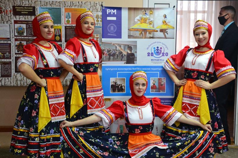 Проект АлтГПУ «Мобильный дом культуры» продолжает путешествовать по Алтайскому краю