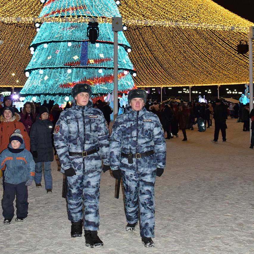 В Татарстане Росгвардия приняла участие в охране общественного порядка и обеспечении безопасности во время массовых новогодних мероприятий и празднования Рождества Христова