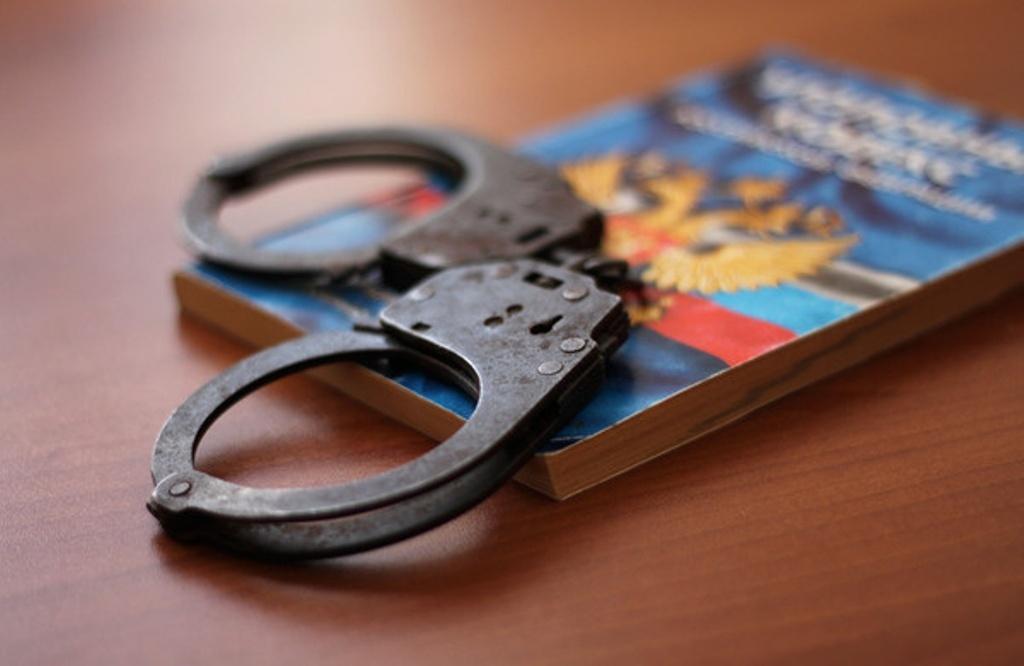 В Казани сотрудники УВО Росгвардии задержали двоих подозреваемых в краже из торгового павильона