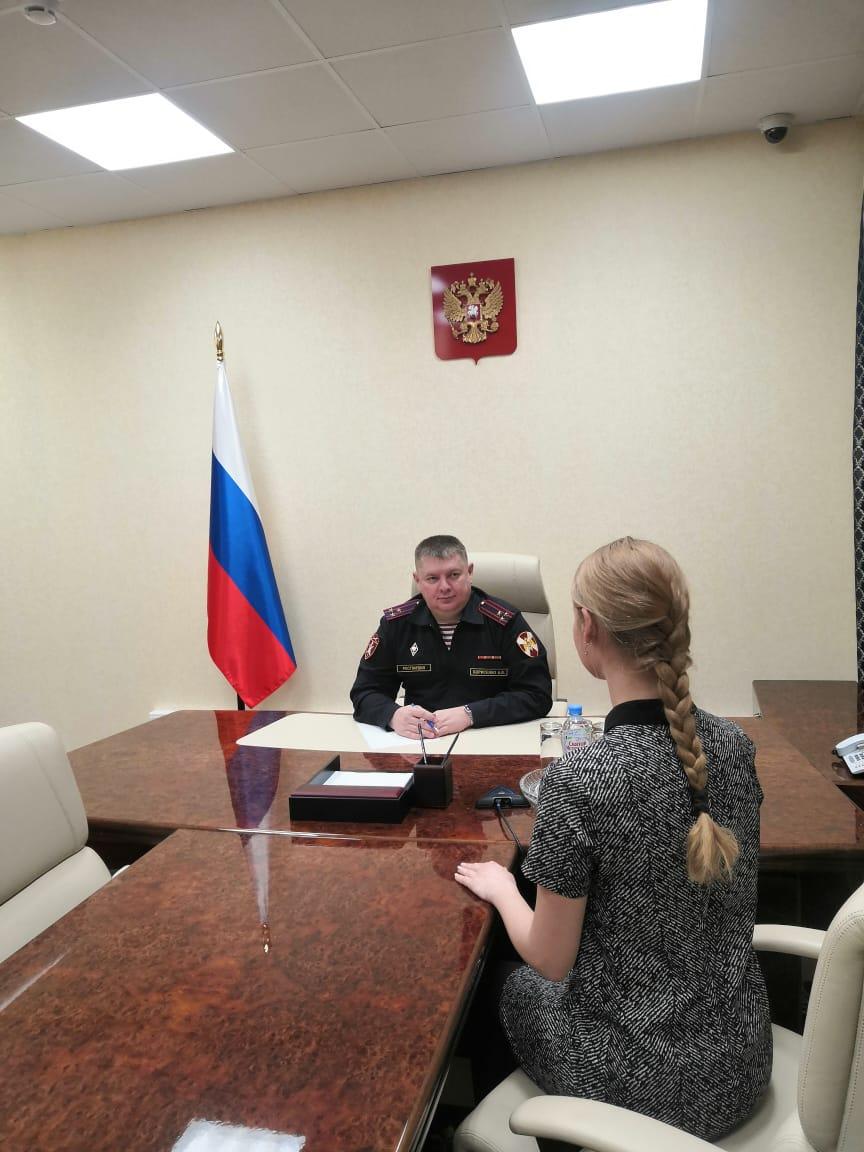 На Ямале начальник регионального Управления Росгвардии провел прием граждан в Приемной Президента РФ