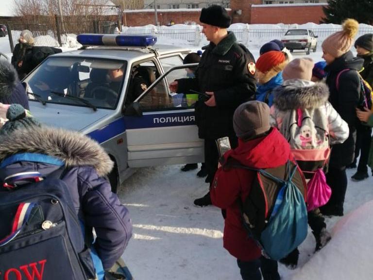 В Томской области прошли уроки мужества для учащихся, посвященные 76-летию снятия блокады Ленинграда