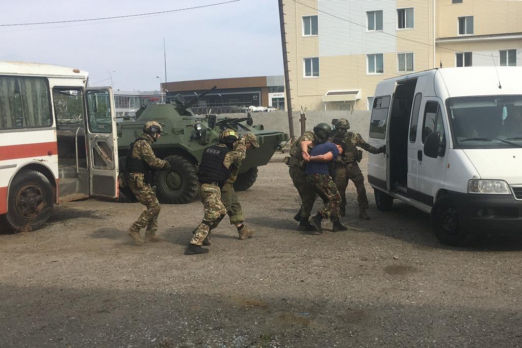 Офицеры югорского СОБР отметили 26-ю годовщину создания отряда