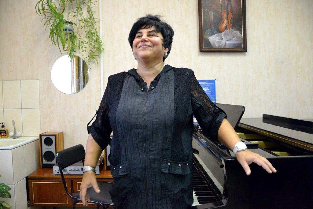 Педагог по вокалу из Казахстана провела мастер-класс для китайских студентов АлтГУ
