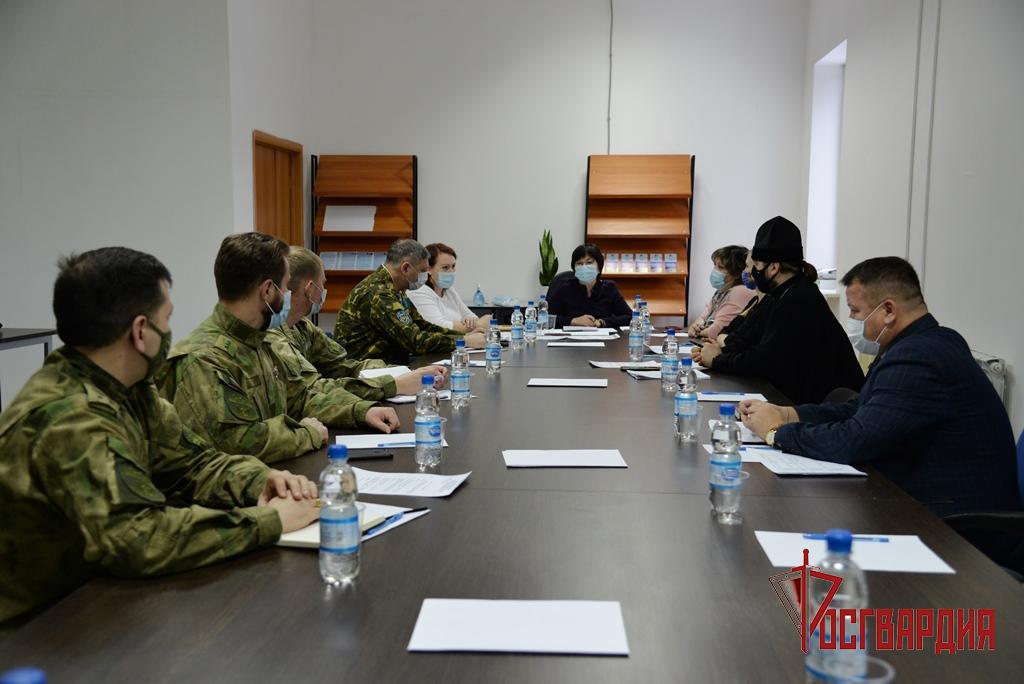 В Югре росгвардейцы приняли участие в Координационных советах по патриотическому воспитанию