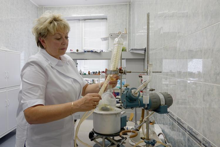 Ученые НИУ «БелГУ» совместно с партнёрами из РУДН разработали новую технологию экстракции основных компонентов эфирного масла из бутонов гвоздики