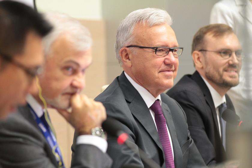 Профилактику борьбы с неинфекционными заболеваниями обсудили на международном уровне