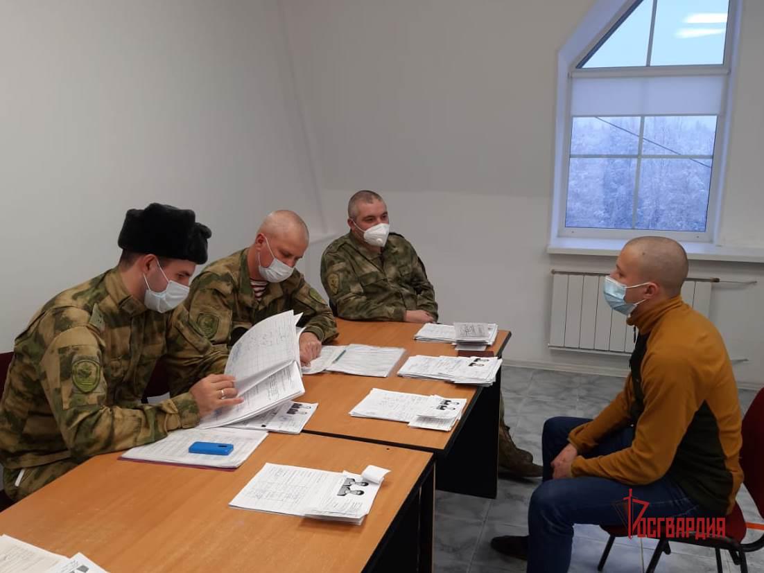 В Югре открыт набор кандидатов для поступления в высшие военные институты Росгвардии