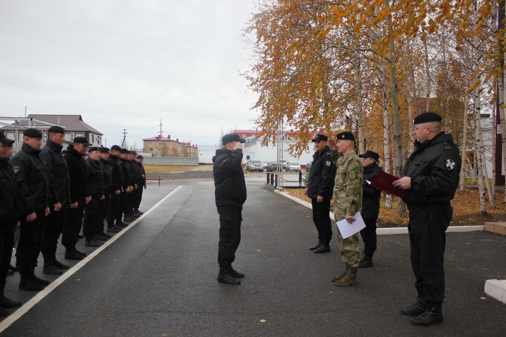 Офицеры и бойцы югорского ОМОН встретили 32-ю годовщину образования спецподразделения