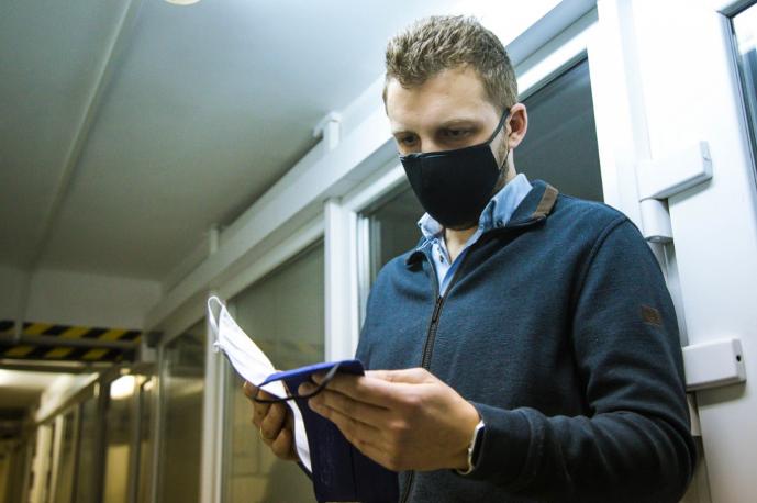 Новосибирский «Вектор»: маски с ионами серебра ученых БФУ им. И. Канта убивают коронавирус (COVID-19)