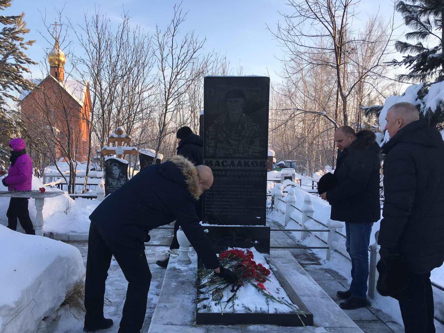 В нижневартовском ОМОН Росгвардии почтили память погибшего боевого товарища