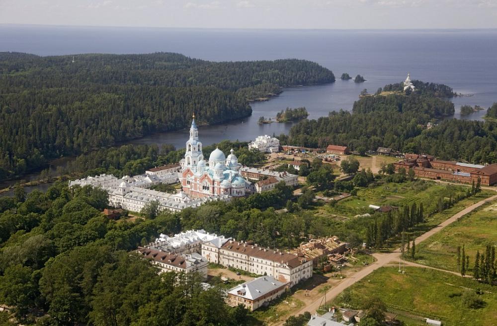 В Валаамском монастыре отреставрируют Зимнюю гостиницу