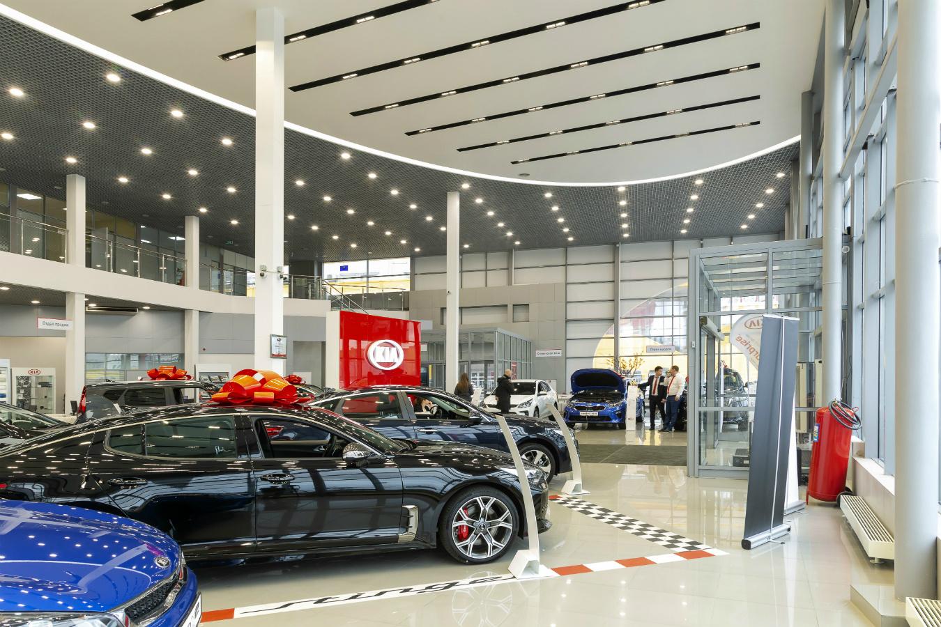 """Компания """"Триалайт"""" выполнила проект освещения автосалона"""