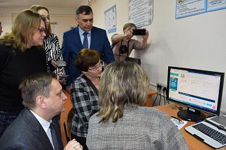 Студенты АлтГПУ приняли участие в рабочей поездке министра образования и науки в Заринский район Алтайского края