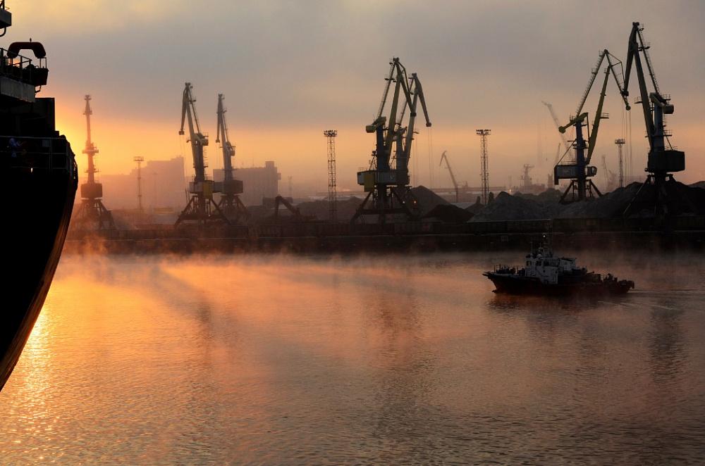 В Мурманском порту строят бункеровочную базу