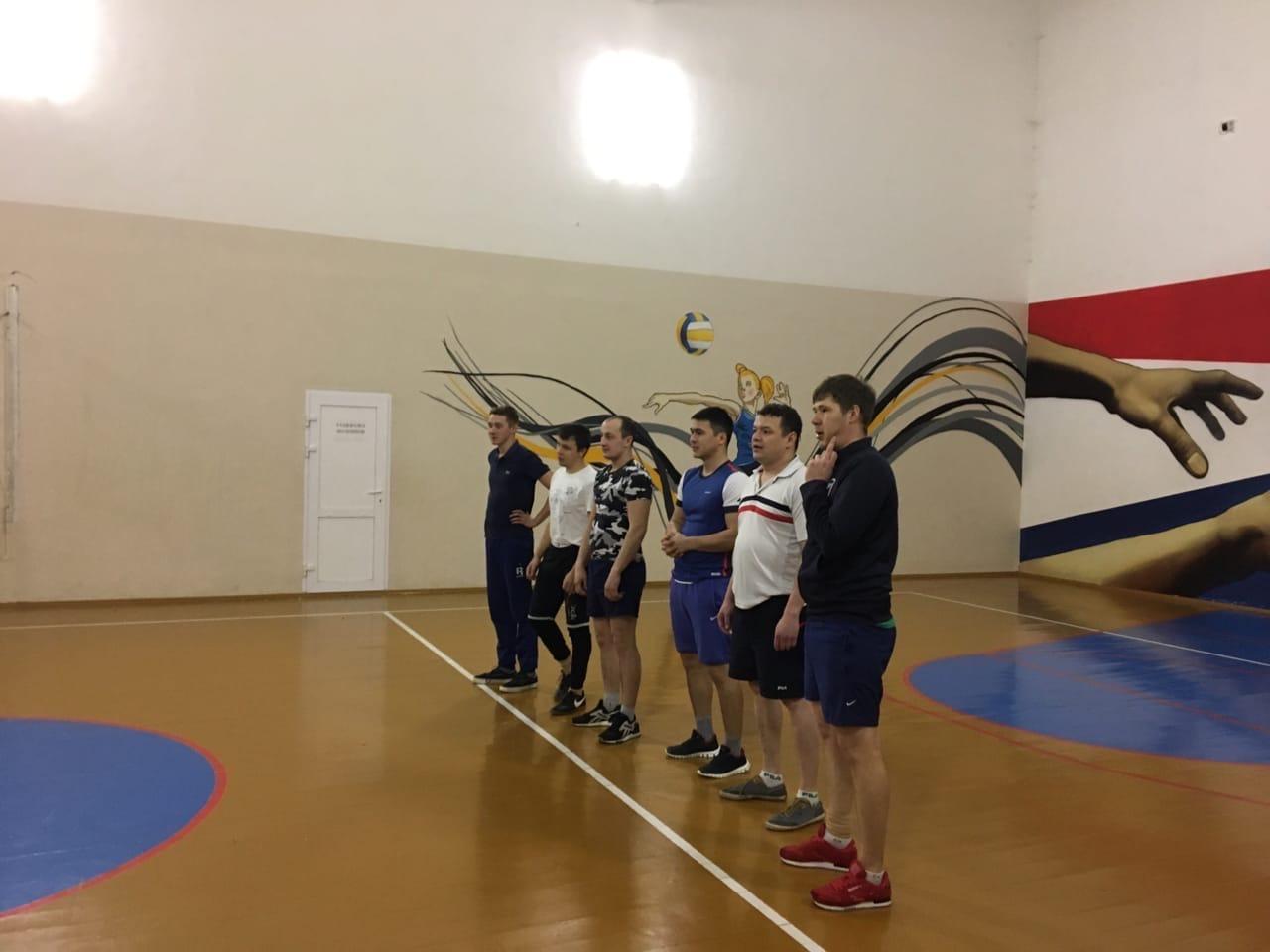 Сотрудники Росгвардии приняли участие в товарищеском матче по волейболу