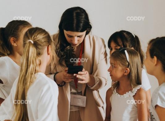 Школа программирования для детей CODDY приняла участие в конференции «Девушки в IT»