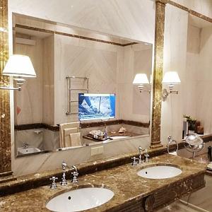 Компания ООО «Бург Гласс» более 10 лет является лидером и законодателем тенденций на рынке дизайнерских и зеркальных телевизоров в России и странах СНГ