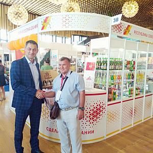 ООО «Стевия» — ведущее в России предприятие, производящее более 100 наименований различной продукции на основе знаменитой крымской стевии