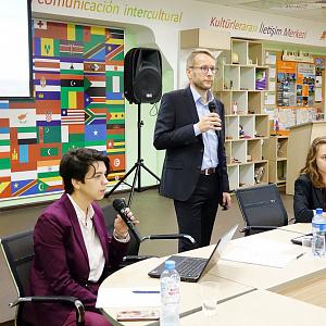 """Фармацевтическая корпорация «Abbott» провела семинар для студентов НИУ """"БелГУ"""""""