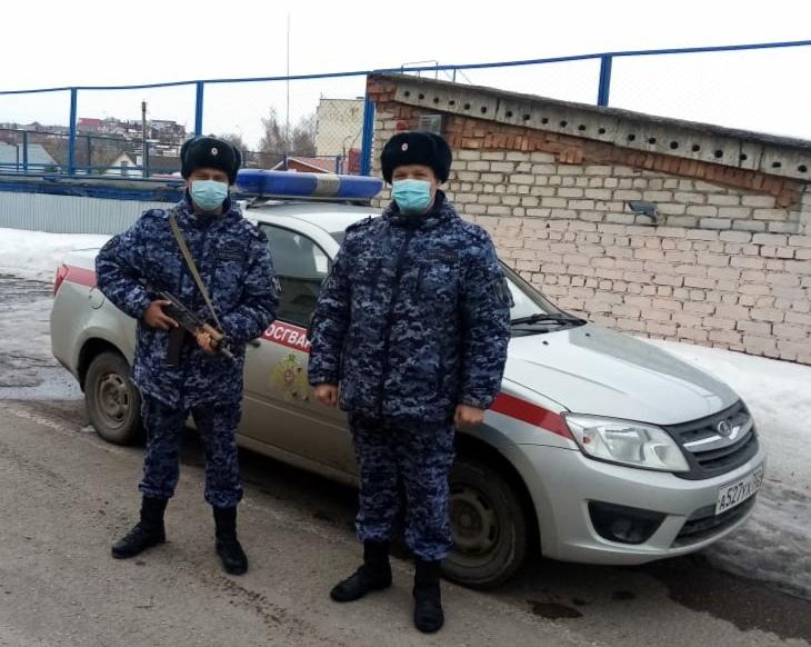 В Башкирии росгвардейцы задержали двух мужчин, подозреваемых в угоне