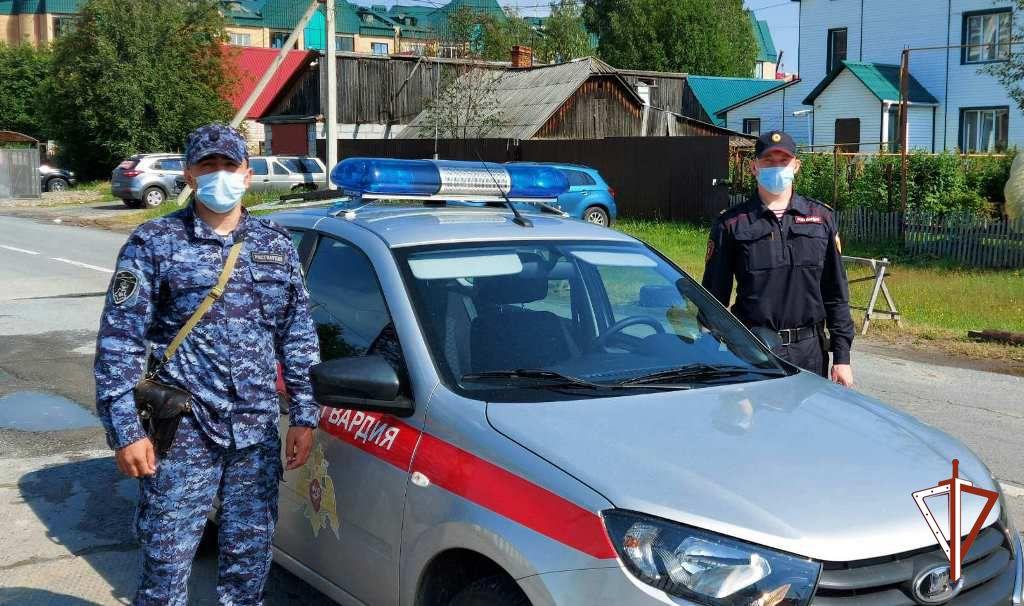 В столице Югры росгвардейцы задержали грабителя, пытавшегося избежать наказания