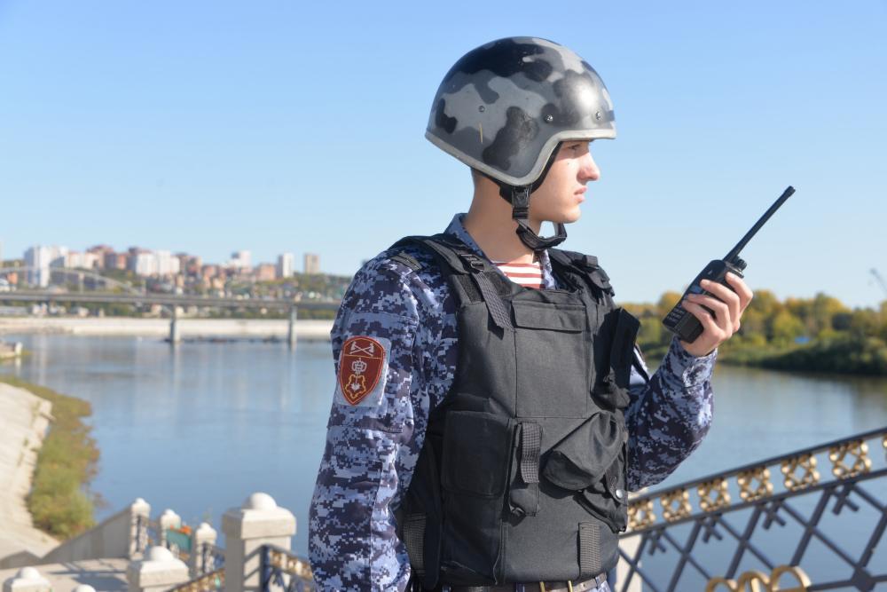В Башкирии росгвардейцы задержали мужчину, который не сумев украсть в магазине водку, разгромил стеллаж с алкоголем